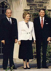 Margaret Thatcher tra Ciriaco De Mita e Ronald Reagan al 17° G7, tenutosi a Toronto nel 1988. (Fonte: Wikipedia)