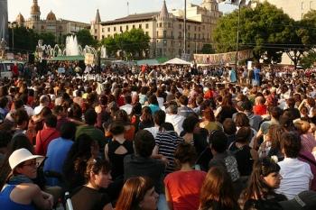 Indignados . La revolución de los claveles blancos - http://www.flickr.com/photos/calafellvalo/