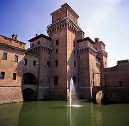 Veduta del Castello Estense. Wikipedia