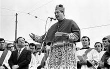 10 febbraio 1980, cerimonia di insediamento di Carlo Maria Martini in piazza Duomo a Milano. da Wikipedia
